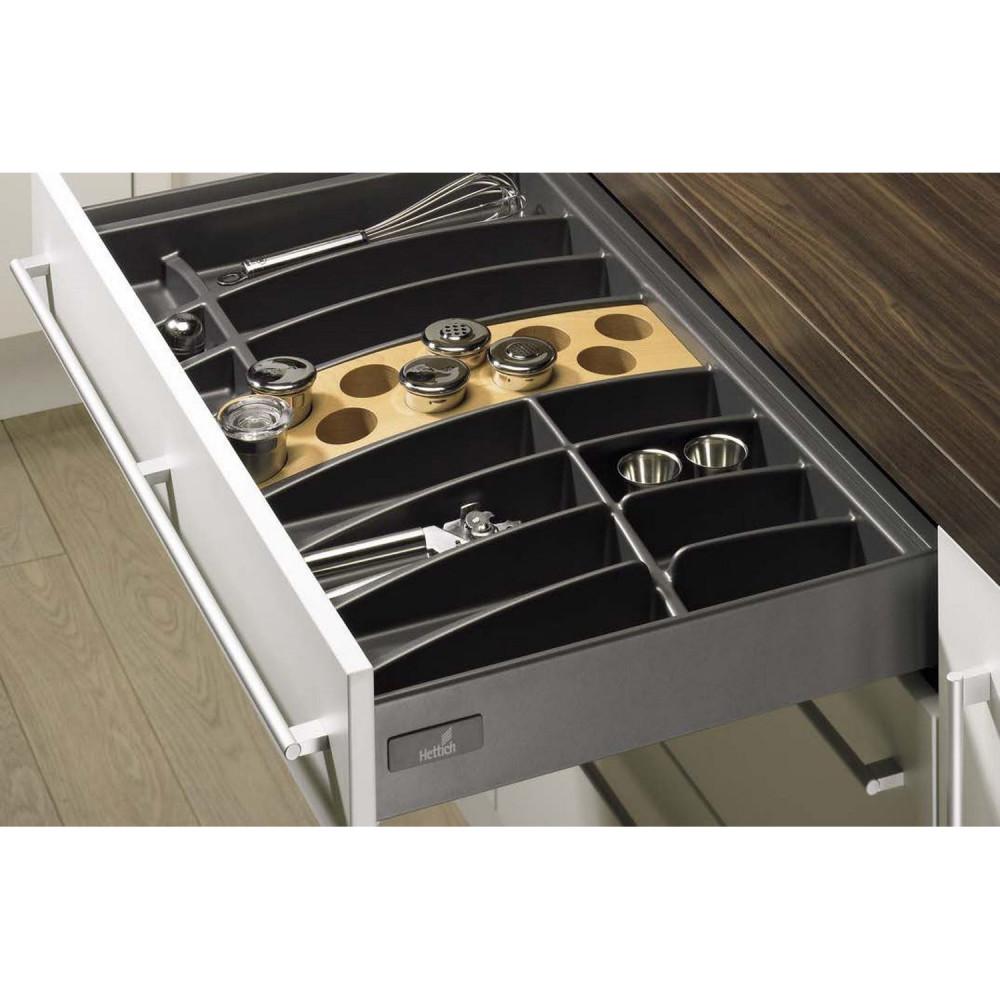 szuflada kuchenna z przegródkami na sztućce